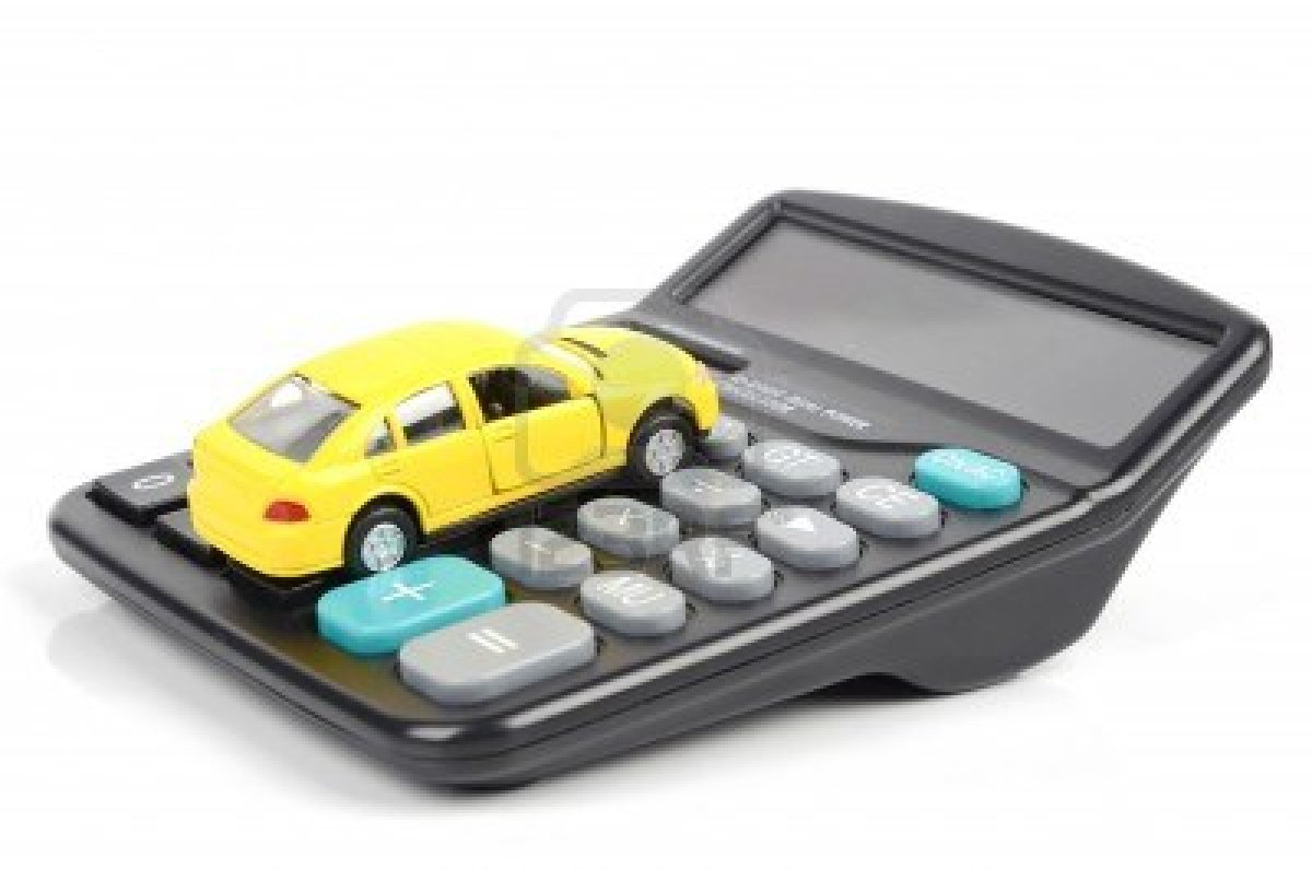 Quién paga menos seguro de coche